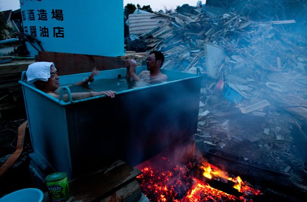 tsunami-bath